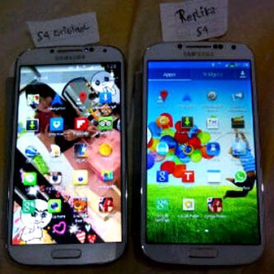 Perbedaan Samsung Galaxy S4 Asli dan Palsu (Supercopy) 1